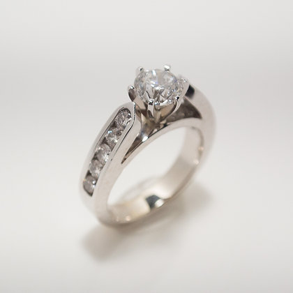 0.95ct Round Diamond Engagement Ring, 14 Karat White Gold