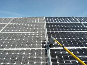 panel solar limpio y sucio.jpg