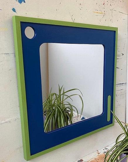 Logs studio retro mirror