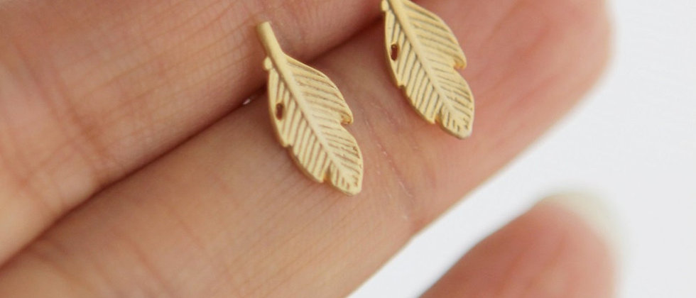 Light as a Feather matte gold earrings