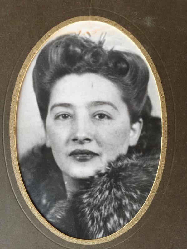 Eliza Tostado (1915-???) Social Influencer