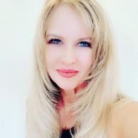 Debra Darrington Social Influencer