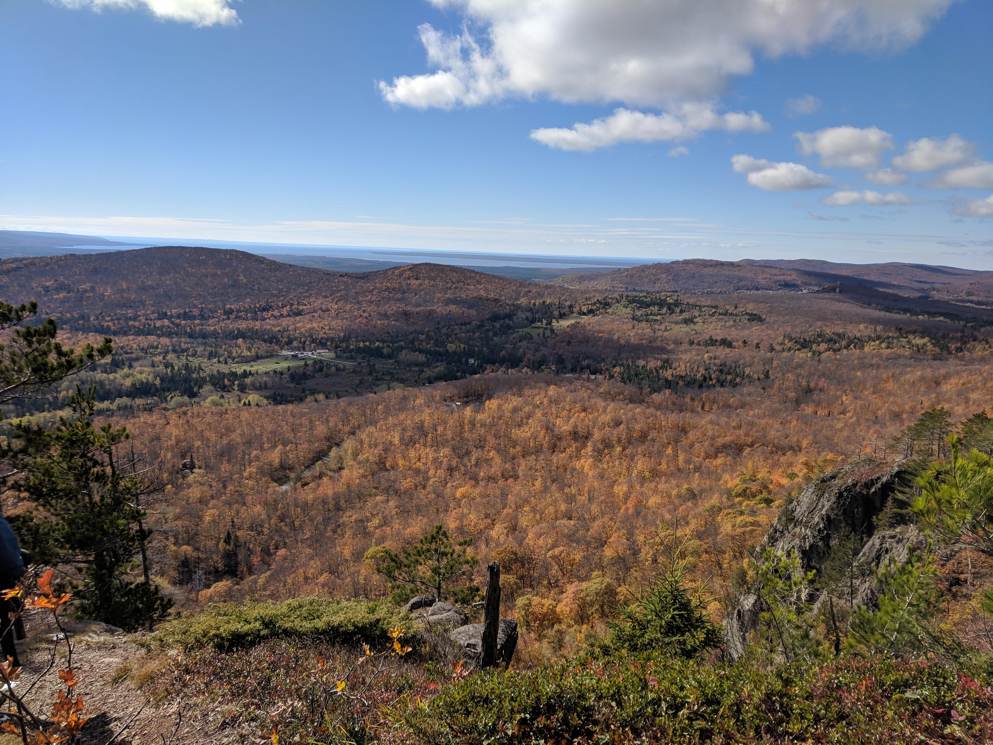 FALLGOMA: Fall colours- Robertson Cliffs