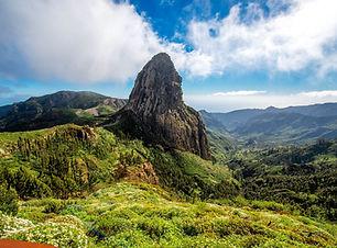 Blick-auf-die-Berge-auf-La-Gomera-iStock-511852972-2.jpg