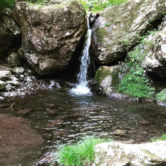 神戸岩の滝〜_滝の近くにいると清められます。__#神戸岩 _#滝_#秋川渓谷 _