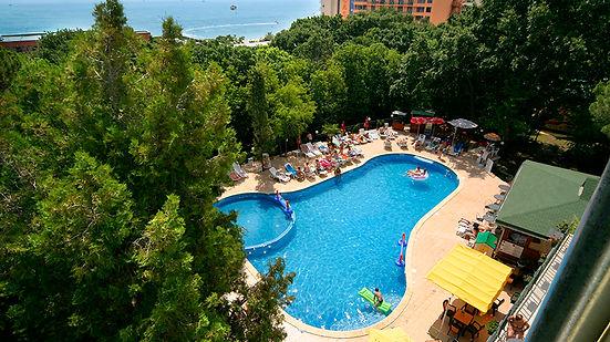 Tintyava-Park-Hotel_Swimming-Pool.jpg