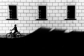 """Riding the city wave"" © Mark Wyss"