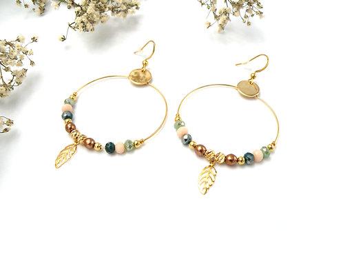 Boucles créoles vert menthe et perles dorées à l'or fin