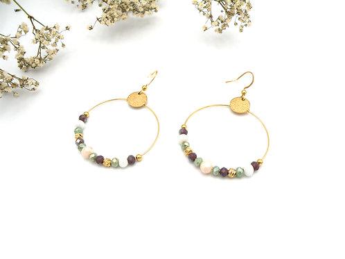 Boucles créoles vert amande et perles dorées à l'or fin