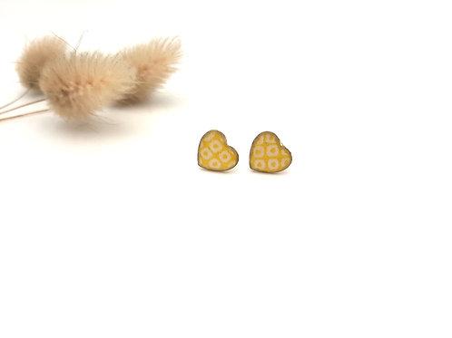 Clous d'oreilles cœur jaune jacquard