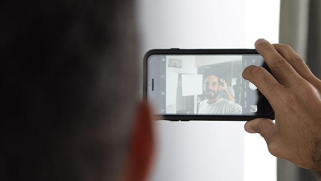 צילום סלפי טלפון שרון וג'וני סטודיו אגדות MIVIDEO Selfie SmartPhone