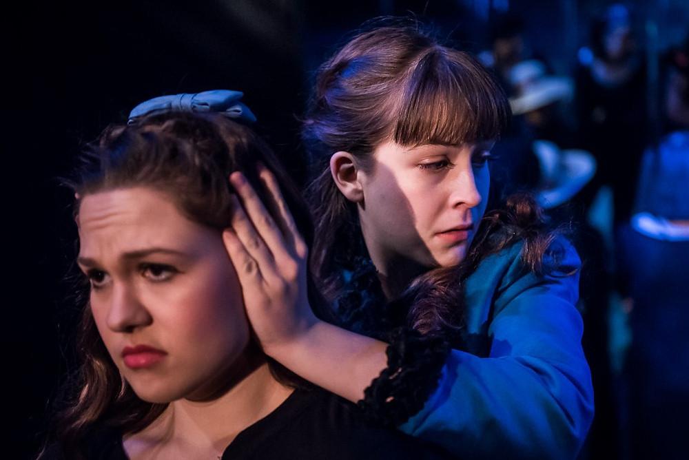 Actors in Peer Gynt show how to act