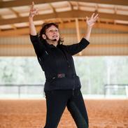 Janice is a motivating riding teacher
