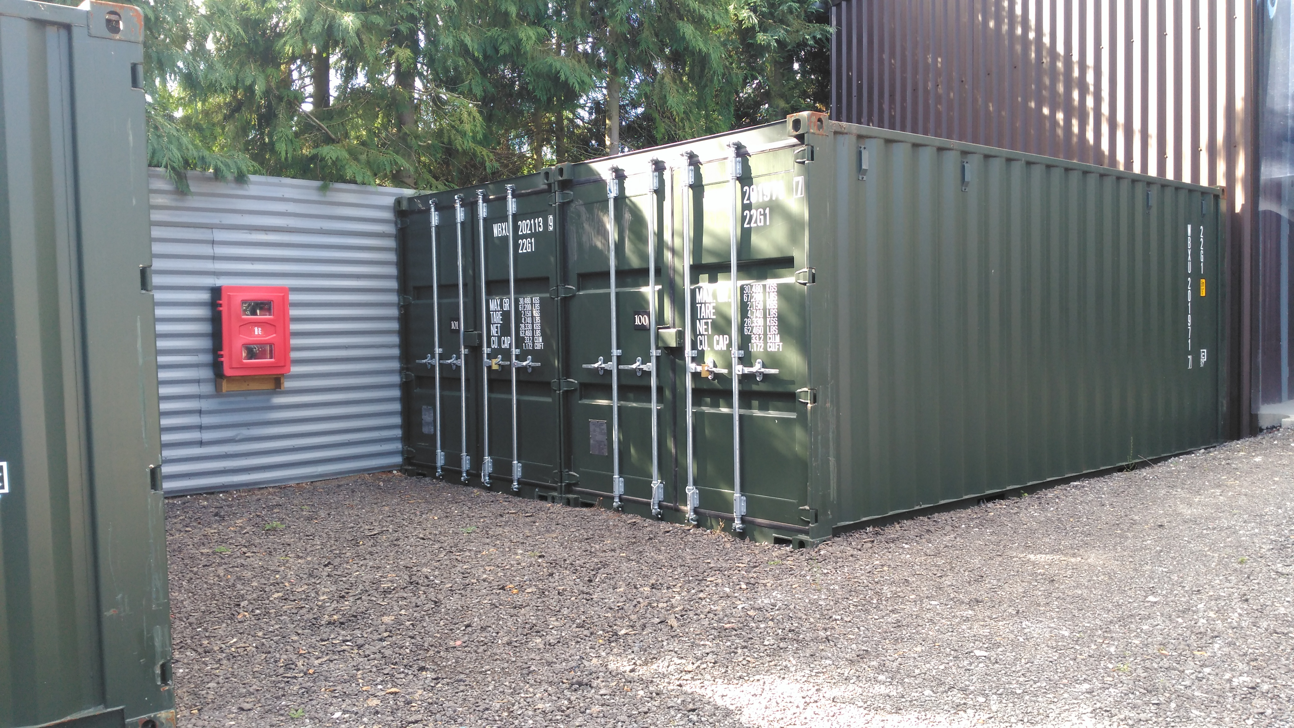 8 x 20 Shipment container