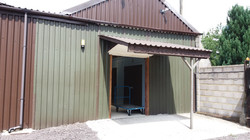 7 x 8 Unit barn entrance