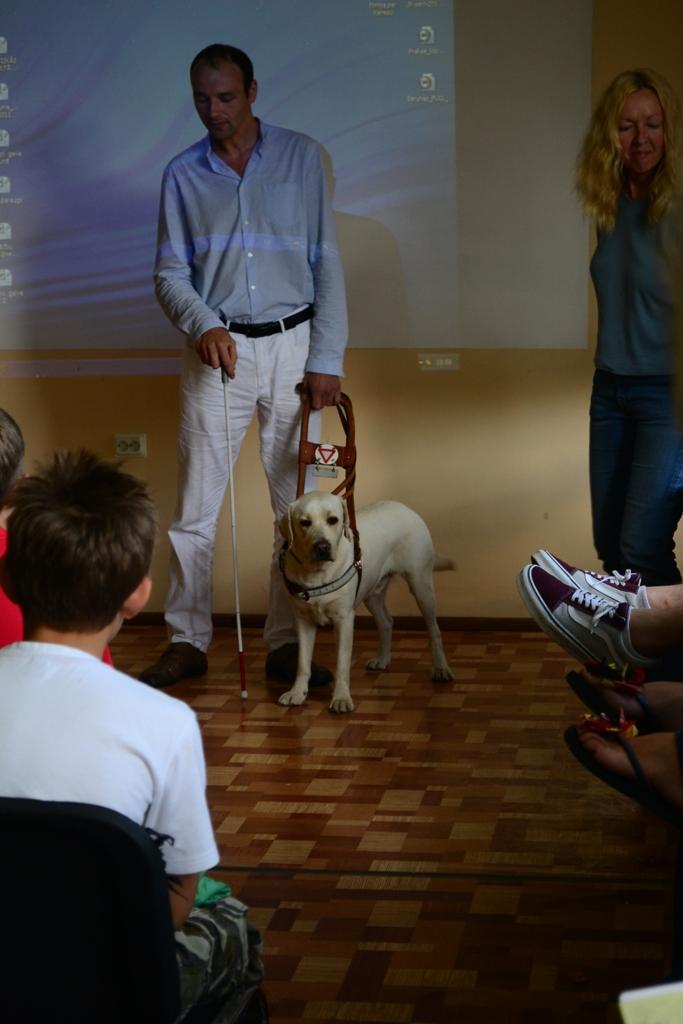 2012 Viesi - Aleksejs ar savu aklo pavadonu suni Teodoru