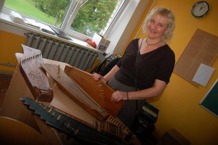 2012 Folkloras skolotaja Vita ar savu kokli