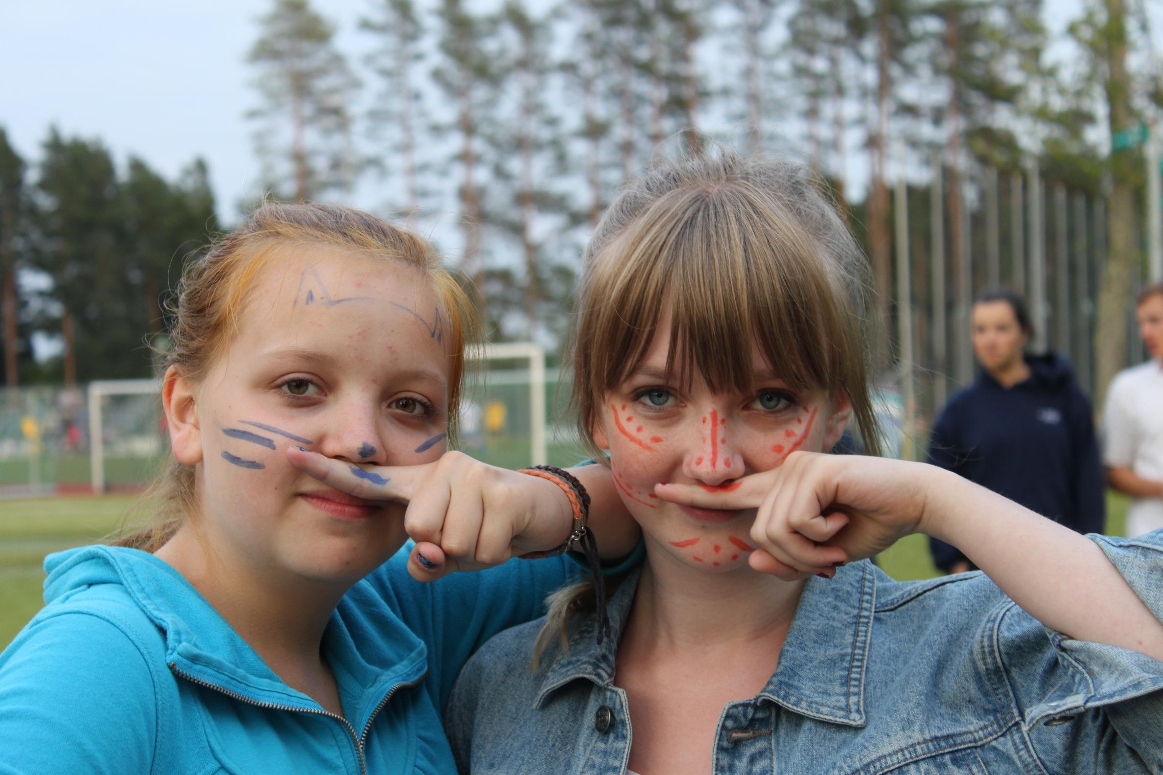 2012 Marta un Elina pirms karogspeles