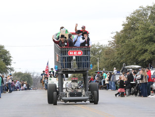 Parade greeted by Perfect weather