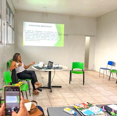 SEMED promove formação para equipes das bibliotecas escolares