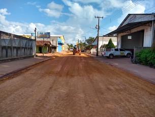 Restauração de ruas e estradas nas zonas urbanas e rurais de nosso município.