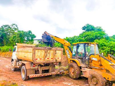 A prefeitura tem realizado constantemente serviços de limpezas e recuperações de vias públicas