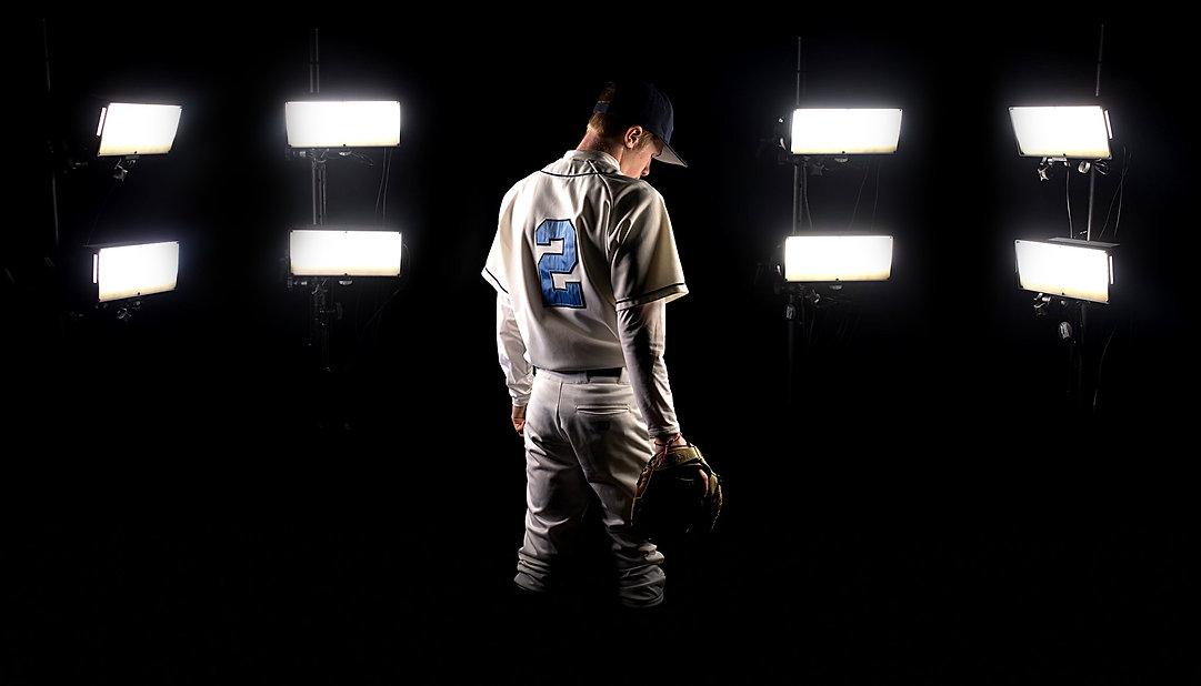 estrobes-baseball.jpg