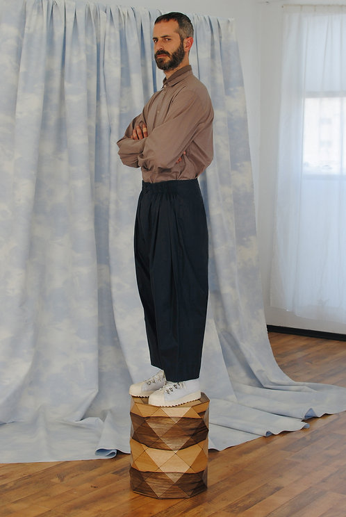 GATHERED NAVY TROUSERS
