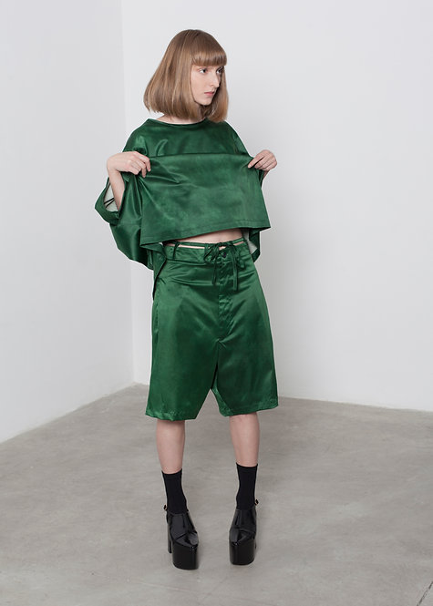 'DAYEGET' EMERALD PLEATED SHORT
