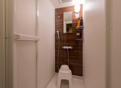 シャワーブース.jpg