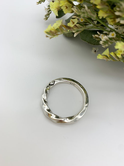 Twisted Circle Ring