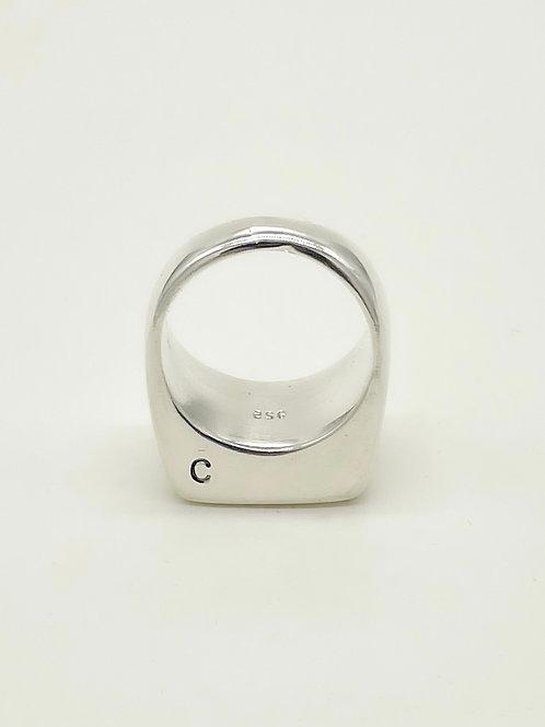 Mano Signet Ring