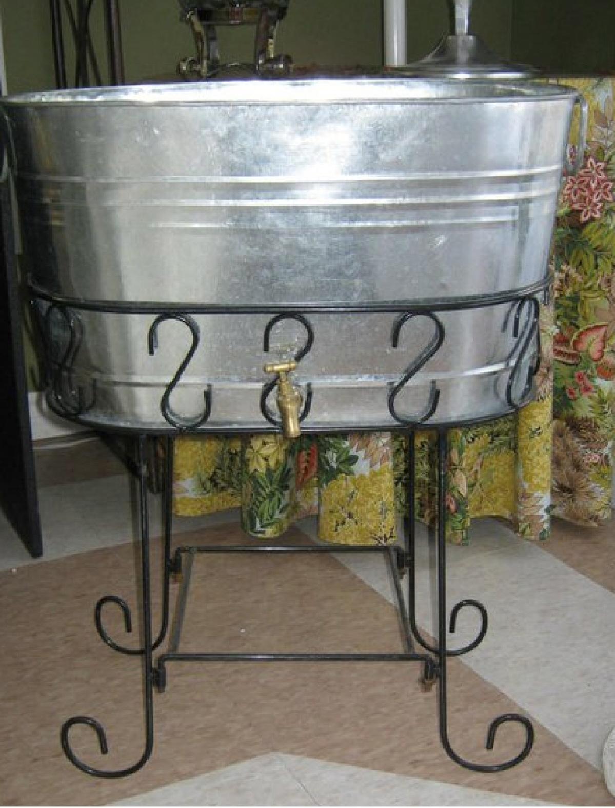 Beverage tub silver