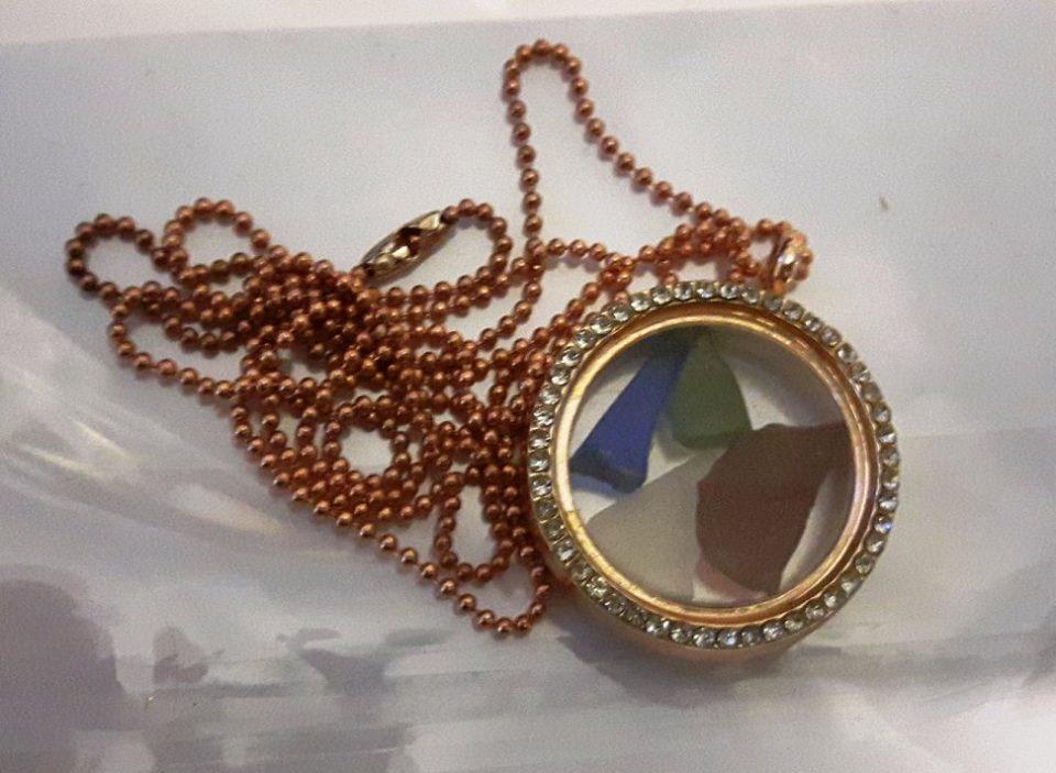 porthole necklace