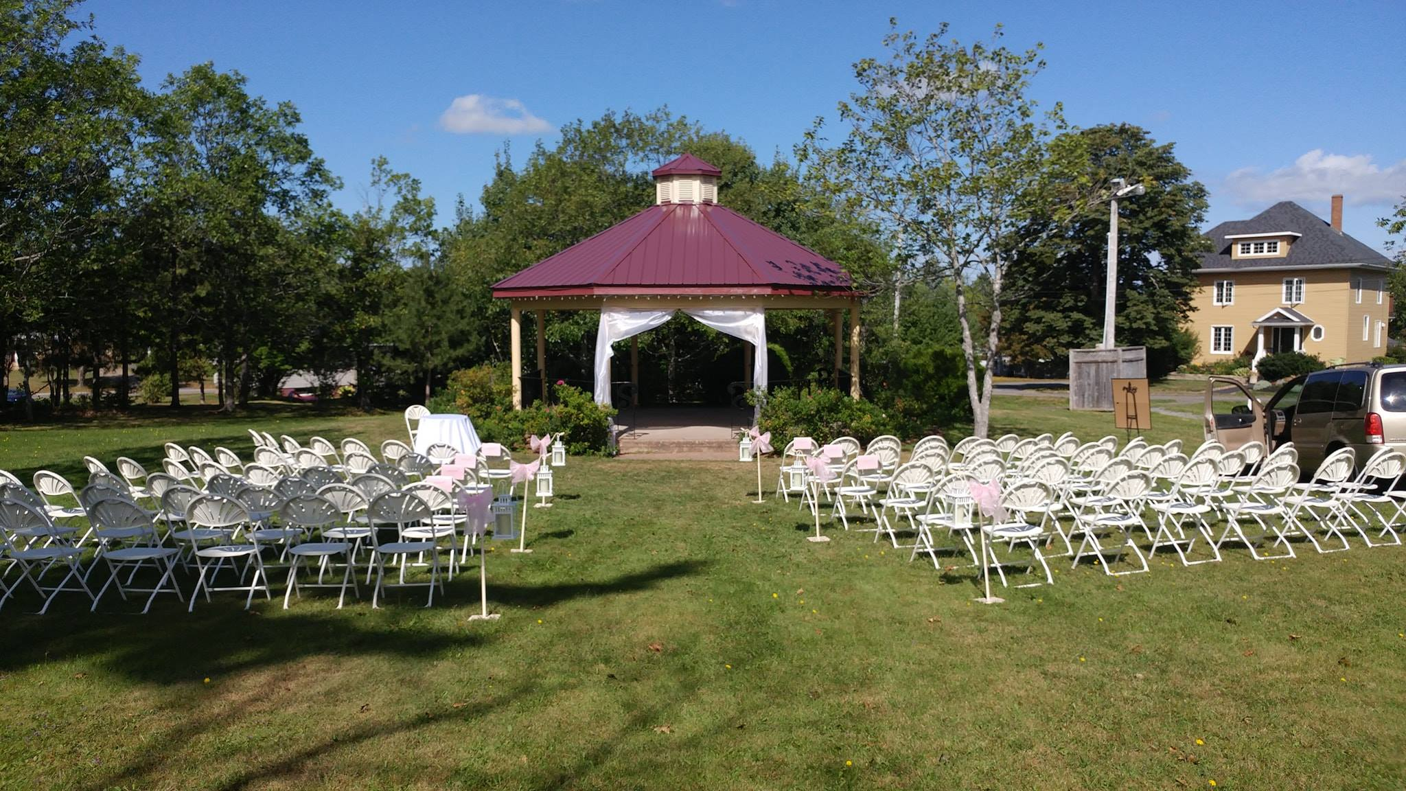 Ceremony Arrangement - Allen Park