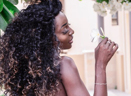 Maintaining Healthy Hair in Quarantine: A Guide