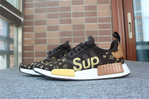 """CHAMPS EXCLUSIVE NMD R1 """"CHALK AND OLIVE UNBOXING"""