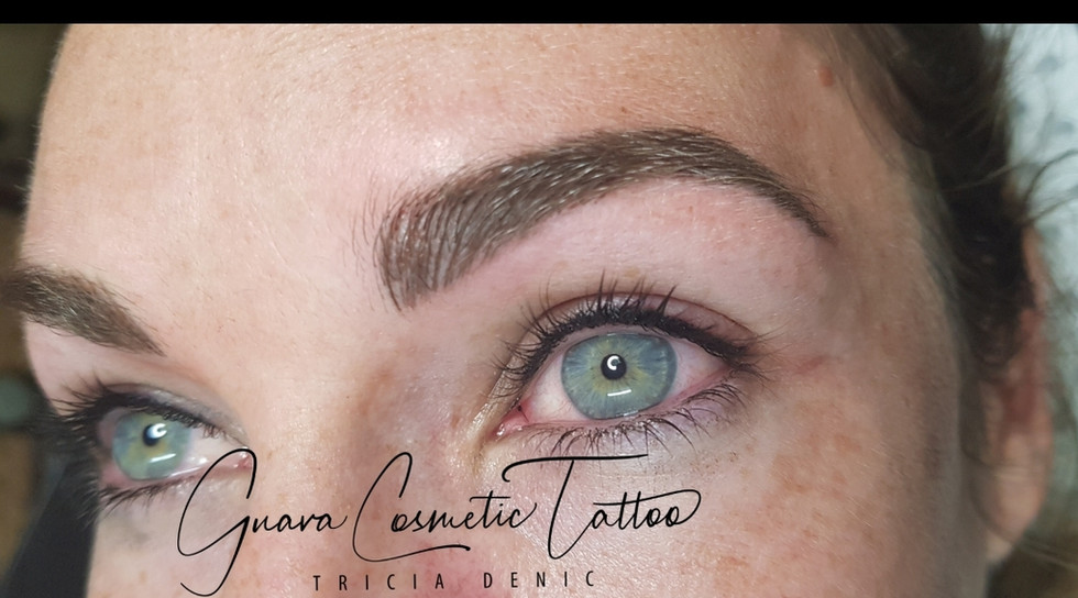 Stunning Feathered Brows & Upper Eyeline