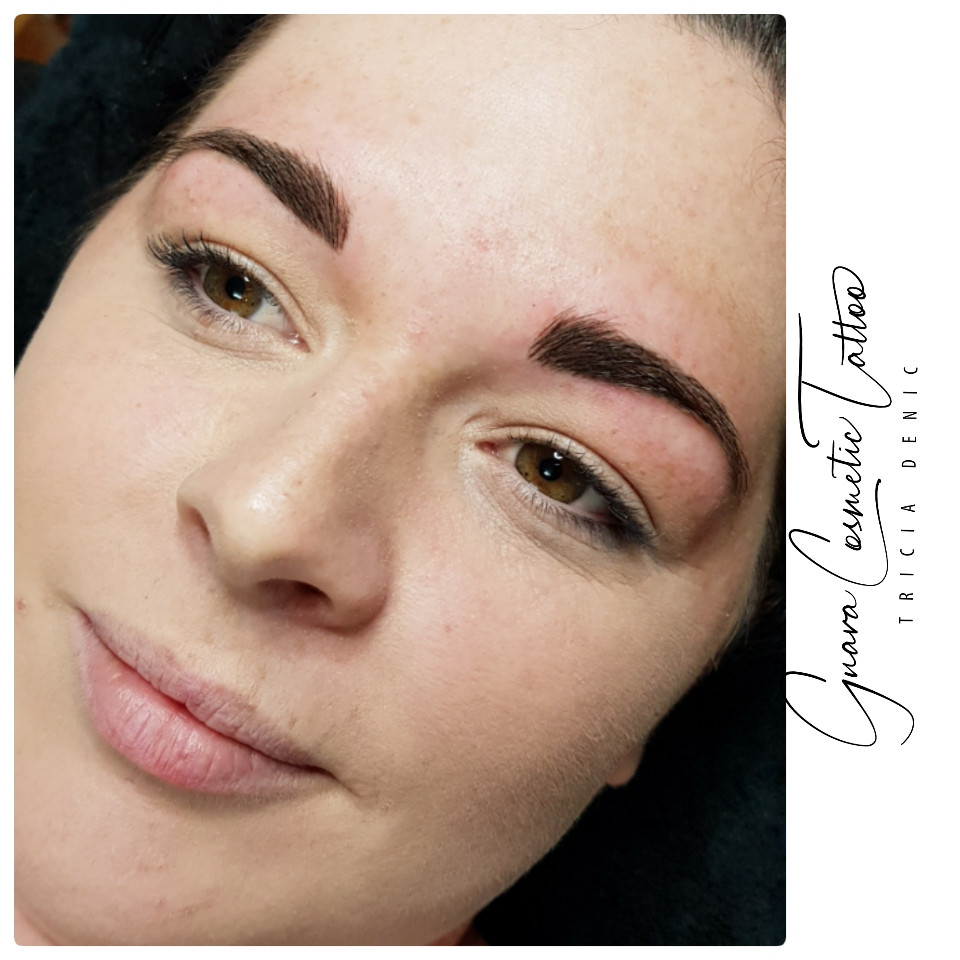 'Tight' Feathered Brows