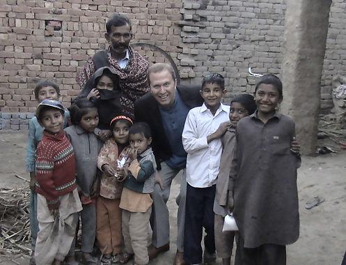 Pakistan Village family - 2011  (2).JPG