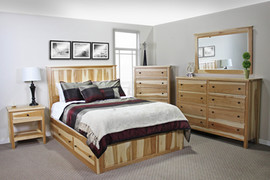 Hickory Queen 4-Drw Storage Bed