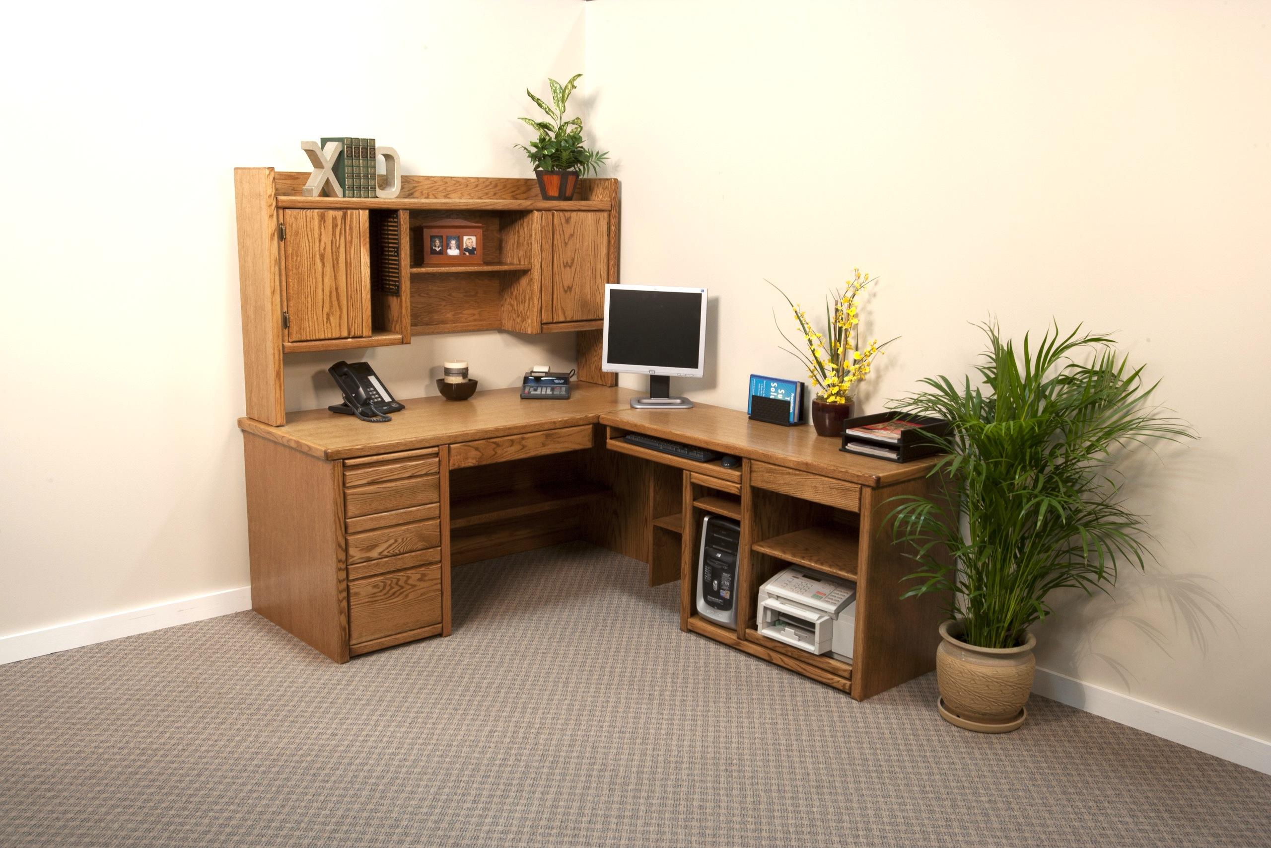 L-Desk W/ Returns