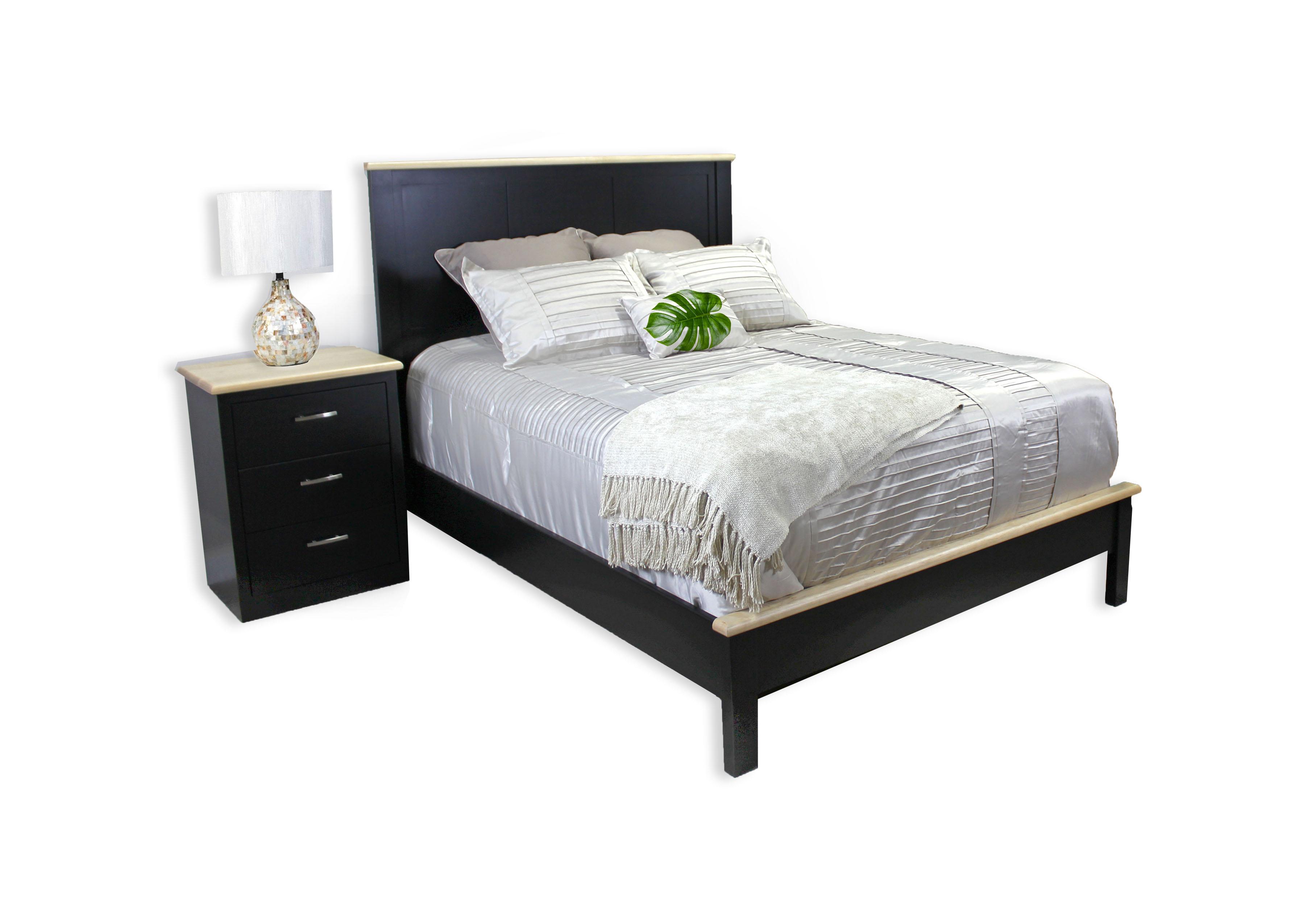 Urban Queen Rail Bed in Maple