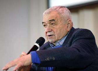 Умер петербургский спортивный комментатор Эрнест Серебренников