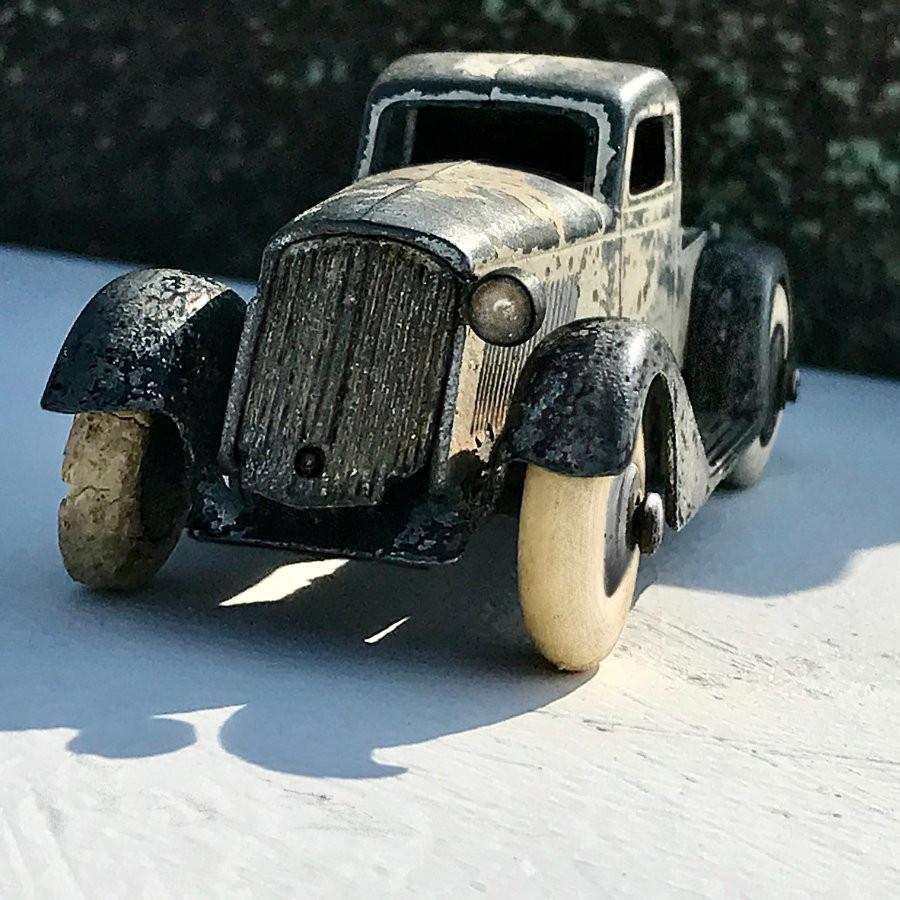 Slick New Tyre : Relic Rock