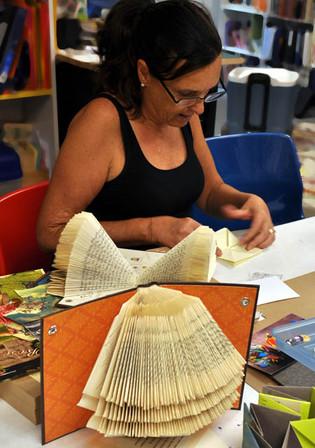 Elizabeth Goins, Paper Arts