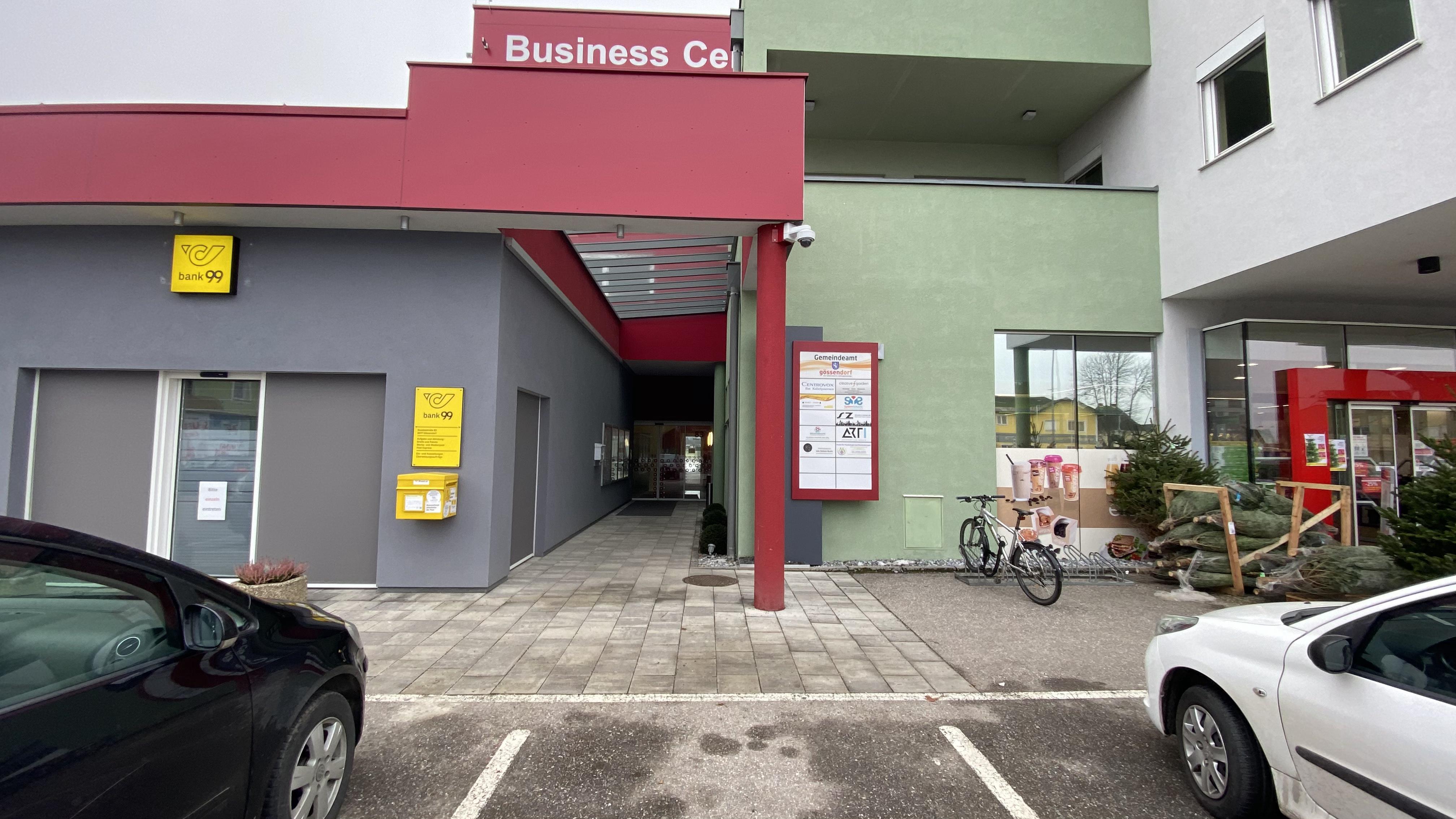 Eingang vom Parkplatz
