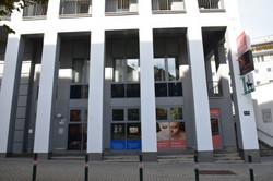 Außenansicht Studiofront Gebäude