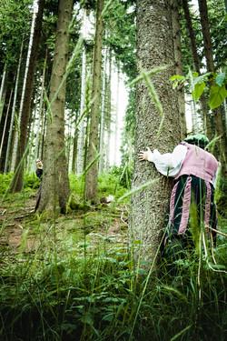 Verstecken im Wald