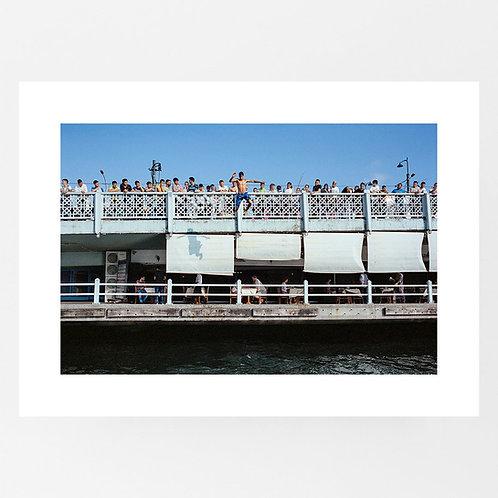 Jumping from the Galata Bridge in Istanbul, Turkey - Viktor Hübner
